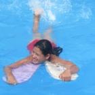 schwimmbad-11-im-wasser-einzeln