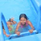 schwimmbad-15-einzeln-an-der-treppe